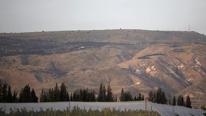 Khu vực núi non gần Cao nguyên Golan, nơi xảy ra vụ việc (Ảnh: Sputnik)