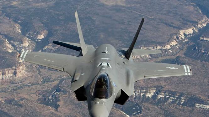 Mẫu phi cơ chiến đấu F-35B Lightning cuar Lockheed Martin (Ảnh: AP)
