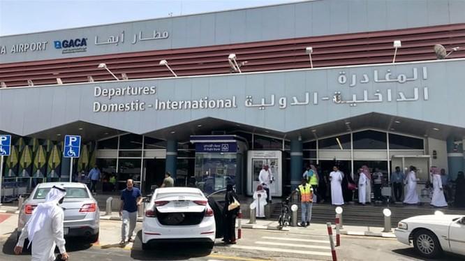 Đòn tấn công của Houthi nhằm vào sân bay Abha của Arab Saudi (Ảnh: Al Jazeera)