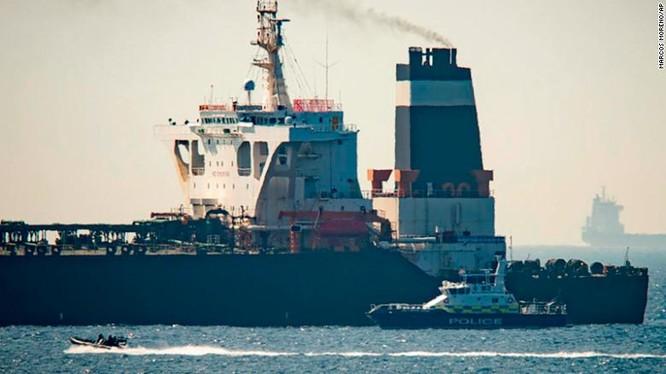 Tàu Grace 1 bị lực lượng hải quân Anh và chính quyền Gibraltar bắt giữ (Ảnh: CNN)