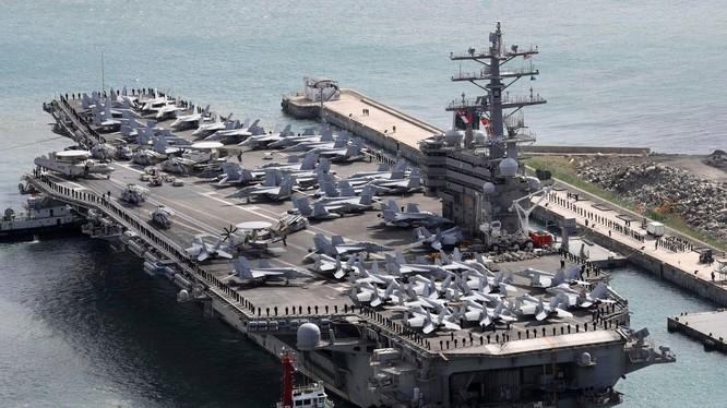 Hạm đội 7 của Mỹ đóng tại Nhật Bản (Ảnh: Washington Post)