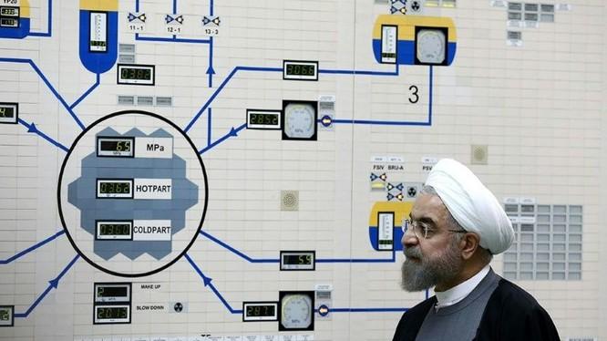 Tổng thống Iran Hassan Rouhani nói rằng Iran cứ sau 60 ngày lại ngừng tuân thủ một điều khoản trong thỏa thuận hạt nhân (Ảnh: AFP)