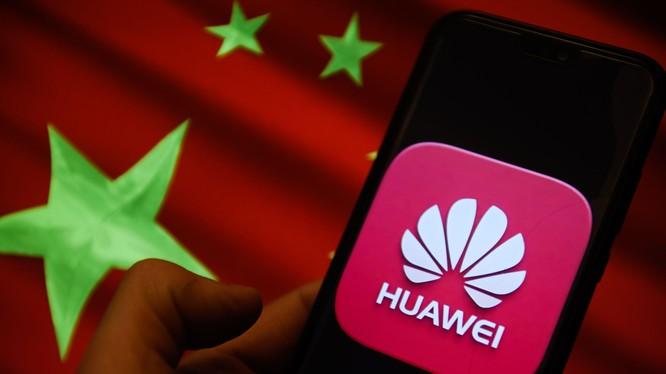 Nghiên cứu mới chỉ ra rằng nhiều nhân viên của Huawei có mối liên hệ với các cơ quan tình báo, an ninh của Trung Quốc (Ảnh: CNBC)