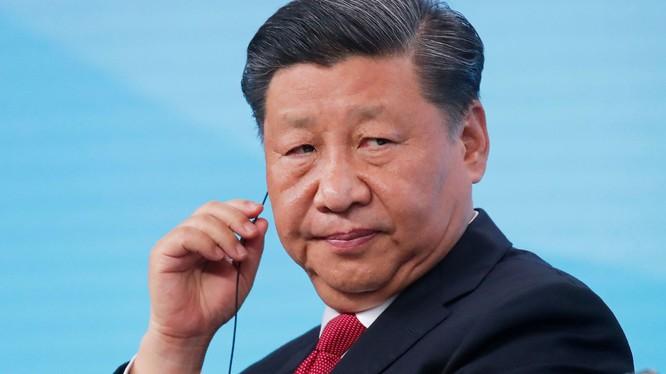 Chủ tịch Trung Quốc Tập Cận Bình tại một diễn đàn doanh nghiệp tổ chức ở St Petersburg, Nga hôm 7/6/2019 (Ảnh: CNBC)