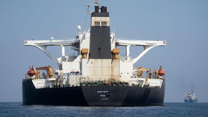 Tàu chở dầu Adrian Darya - trước là Grace 1 - của Iran đã Gibraltar được trả tự do (Ảnh: Sputnik)
