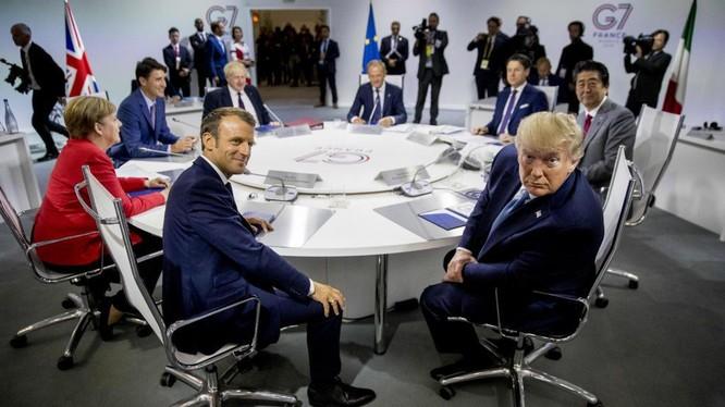 Tổng thống Mỹ Donald Trump cùng các nhà lãnh đạo tại Hội nghị thượng đỉnh G7 tổ chức tại Pháp (Ảnh: France24)