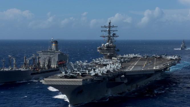 Tàu sân bay Ronald Reagan của Mỹ tại Okinawa, Nhật Bản (Ảnh: Nikkei)