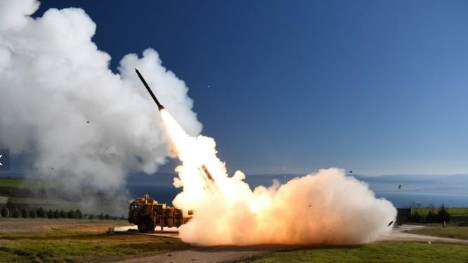Quân đội Thổ Nhĩ Kỳ thử nghiệm một hệ thống phóng tên lửa ngày 20/3/2019 (Ảnh: Newsweek)