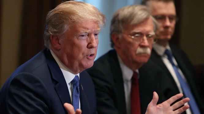 """Tổng thống Trump nói ông John Bolton là một """"thảm họa"""" và phạm nhiều sai lầm lớn (Ảnh: Axios)"""