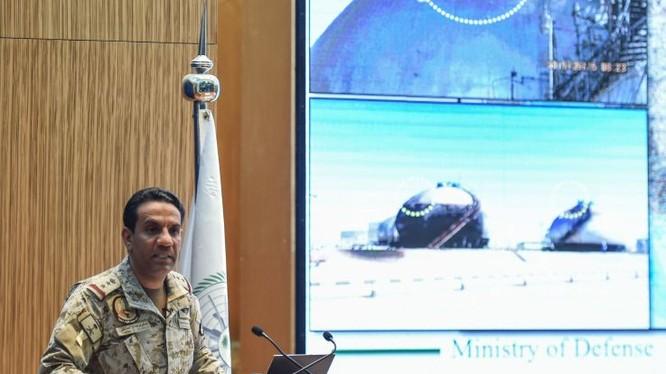 Phát ngôn viên của liên minh quân sự do Arab Saudi dẫn đầu, Turki bin Saleh al-Maliki (Ảnh: Newsweek)