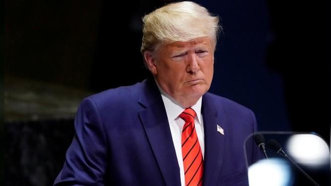 """Tổng thống Trump nói cuộc điều tra mới của phe Dân chủ là """"săn phù thủy"""" (Ảnh: Reuters)"""