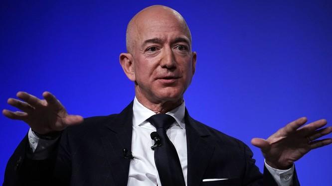 Tỷ phú Jeff Bezos, người đàn ông giàu nhất hành tinh (Ảnh: Getty)