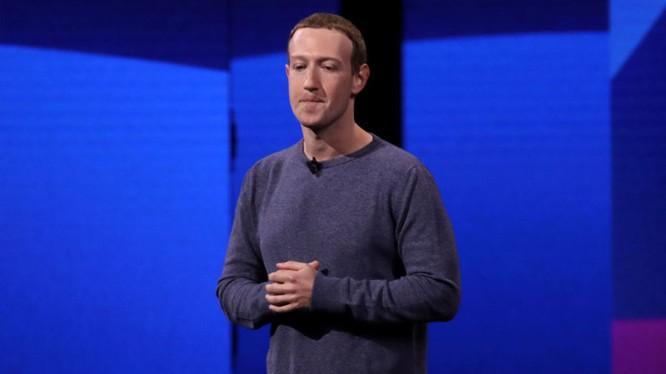 """Ông chủ Facebook tỏ ra...đồng cảm với phát ngôn """"tỷ phú không nên tồn tại"""" của ông Bernie Sanders (Ảnh: Sky News)"""