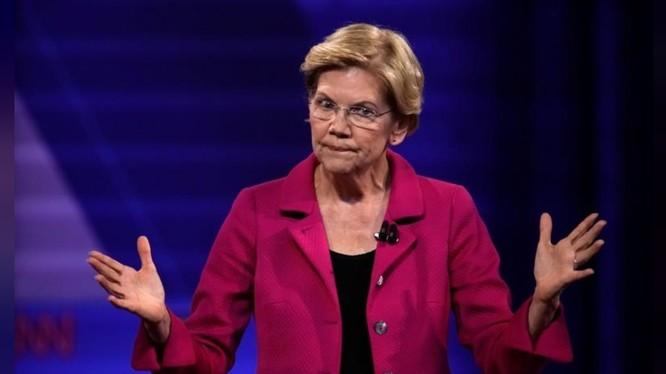 Bà Warren từng nhiều lần chỉ trích kịch liệt chính sách của Facebook (Ảnh: Reuters)