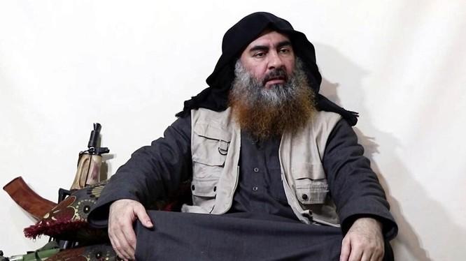 Abu Bakr al-Baghdadi, thủ lĩnh tổ chức khủng bố Nhà nước Hồi giáo tự xưng (IS) (Ảnh: Newsweek)