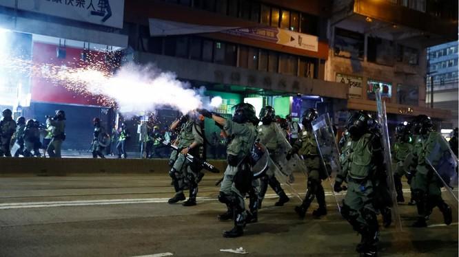Tình trạng bất ổn chính trị ở Hong Kong tạo điều kiện thuận lợi cho cả Mỹ và Đài Loan (Ảnh: France24)