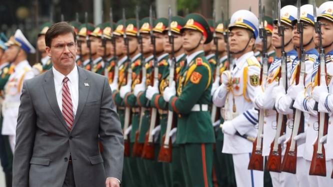 Bộ trưởng Quốc phòng Mỹ Mark Esper đang có chuyến thăm Việt Nam (Ảnh: Reuters)