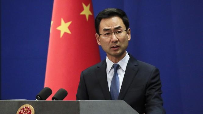 Phát ngôn viên Bộ Ngoại giao Trung Quốc Cảnh Sảng cảnh báo Mỹ (Ảnh: Getty)
