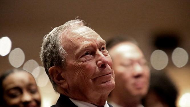 """Cựu Thị trưởng New York, tỷ phú Michael Bloomberg """"tuyên chiến"""" với ông Trump (Ảnh: Politico)"""