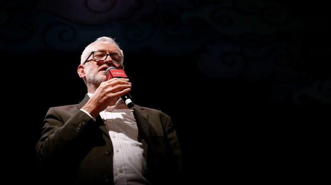 Lãnh đạo Công đảng Anh Jeremy Corbyn (Ảnh: Sputnik)