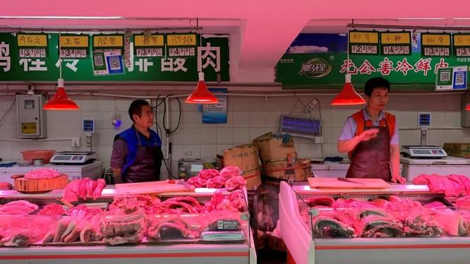 Trung Quốc đang thiếu hụt trầm trọng nguồn cung thịt lợn ngay trong lúc nhu cầu đang tăng mạnh (Ảnh: Reuters)