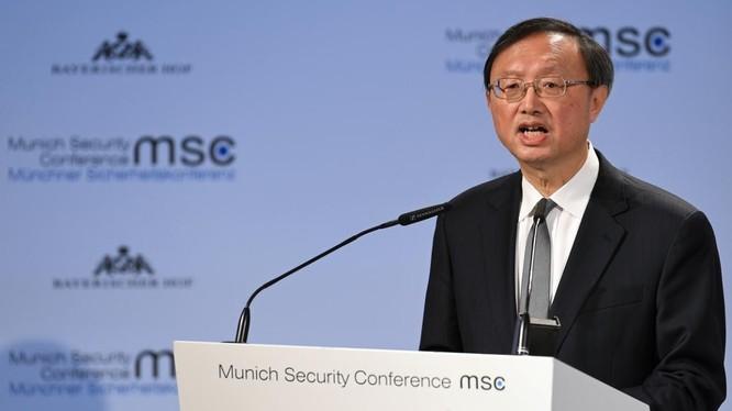 Ủy viên Bộ Chính trị Ban Chấp hành trung ương đảng Cộng sản Trung Quốc Dương Khiết Trì (Ảnh: Reuters)