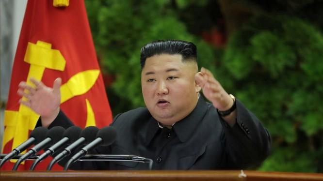 Chủ tịch Triều Tiên Kim Jong-un chủ trì phiên họp toàn thể (Ảnh: Reuters)