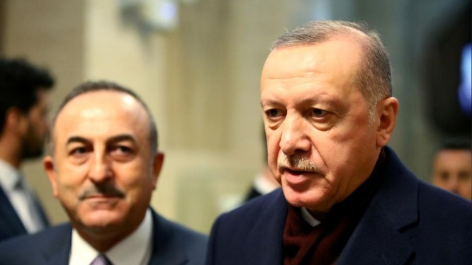 Tổng thống Thổ Nhĩ Kỳ Erdogan (phải) muốn đẩy nhanh quá trình triển khai quân tới Libya (Ảnh: Reuters)