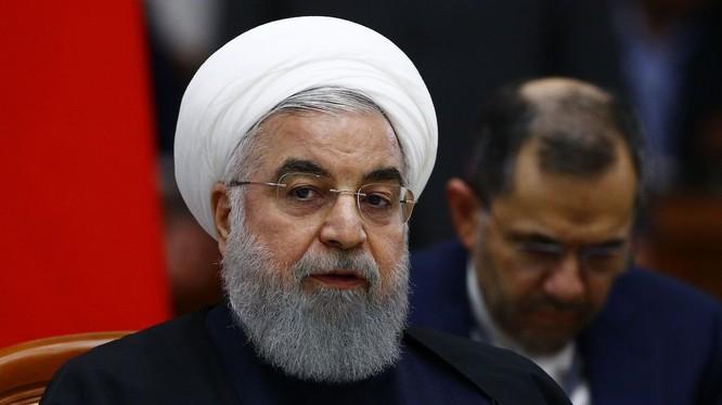 Tổng thống Iran thừa nhận quân đội nước này bắn nhầm máy bay Ukraine và gửi lời chia buồn tới gia đình các nạn nhân (Ảnh: Anadolu)