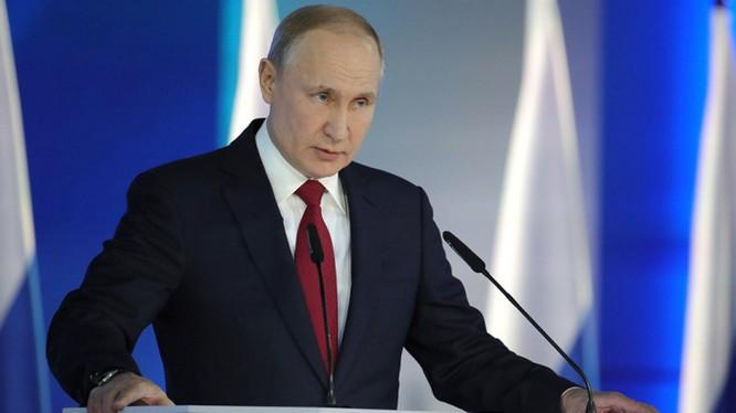 Tổng thống Nga Vladmir Putin đọc Thông điệp Liên bang tại Moscow (Ảnh: Moscow Times)