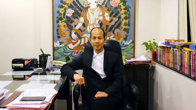 Ông So Man-fung Peter, thày phong thủy nổi tiếng ở Hong Kong (Ảnh: CNN)