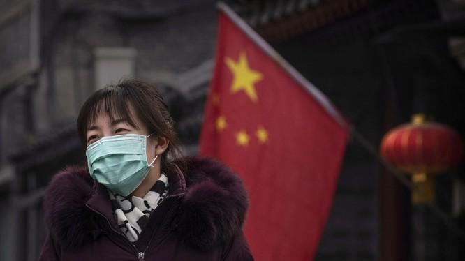 Tính đến thời điểm hiện tại đã có 106 người tử vong ở Trung Quốc do chủng virus corona mới (Ảnh: RT)