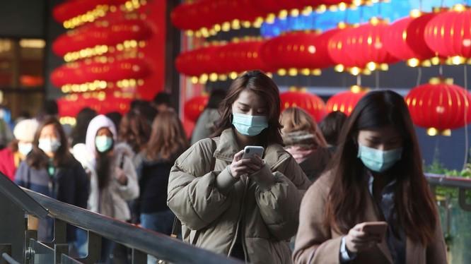 Facebook cam kết sẽ gỡ bỏ các thông tin sai lệch về dịch bệnh do virus corona chủng mới gây nên (Ảnh: CNN)
