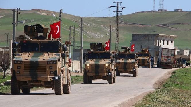 Đoàn xe quân sự của Thổ Nhĩ Kỳ trên lãnh thổ Syria (Ảnh: Hurriyet)