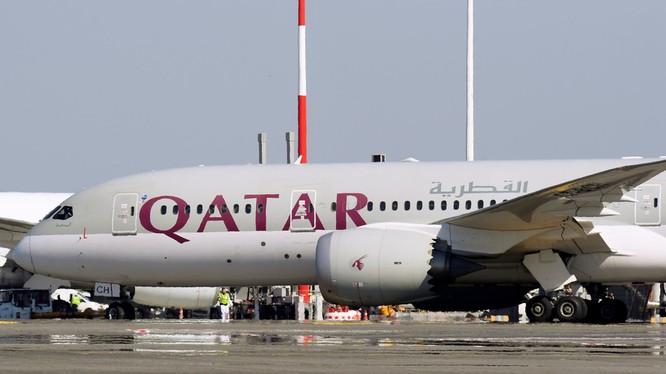 Một chiếc máy bay của hãng không Qatar Airways (Ảnh: RT)