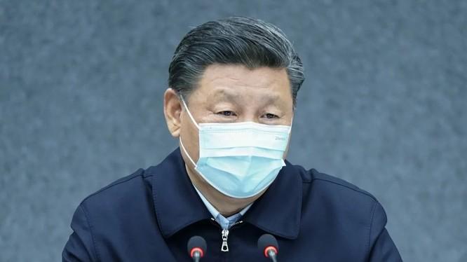Chủ tịch Tập Cận Bình đang có chuyến thăm đầu tiên tới tâm dịch Vũ Hán ở tỉnh Hồ Bắc (Ảnh: Xinhua)