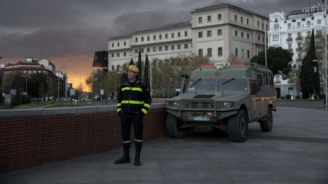 EU sắp đóng cửa biên giới trong vòng 30 ngày, và có thể kéo dài hơn, nhằm ngăn chăn dịch bệnh COVID-19 (Ảnh: CNN)
