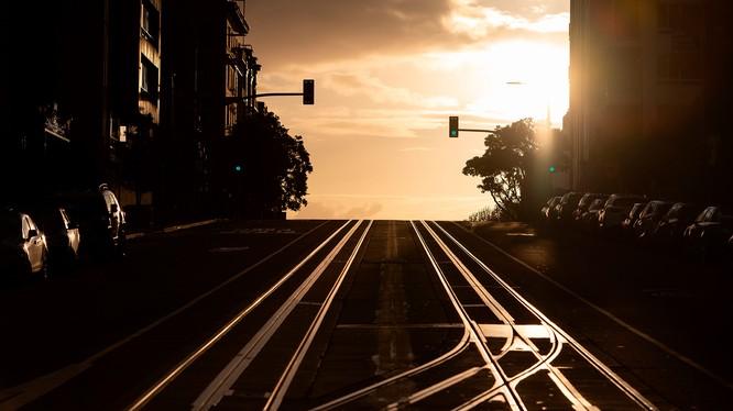 Đường phố San Franciso, bang California (Mỹ) vắng tanh sau chỉ thị người dân ở trong nhà tránh dịch COVID-19 (Ảnh: CNN)
