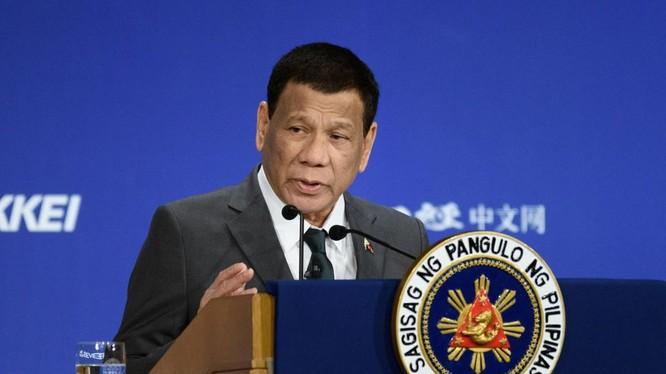 Tổng thống Duterte đưa ra nhiều phát ngôn gây tranh cãi liên quan tới đại dịch COVID-19 (Ảnh: The Star)
