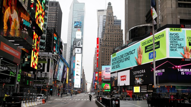 Thành phố New York vắng bóng người do COVID-19 (Ảnh: NBC News)