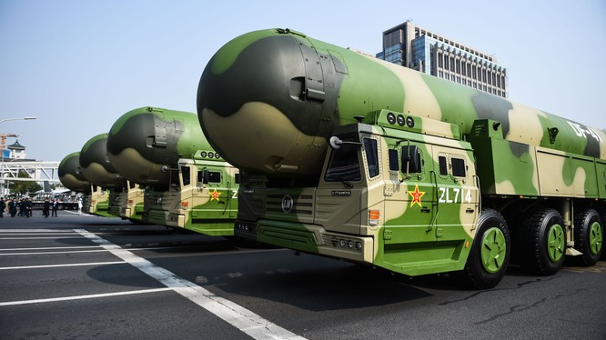 Tên lửa hạt nhân liên lục địa Dongfeng-41 của Trung Quốc xuất hiện tại Bắc Kinh hồi năm ngoái (Ảnh: Tân hoa xã)
