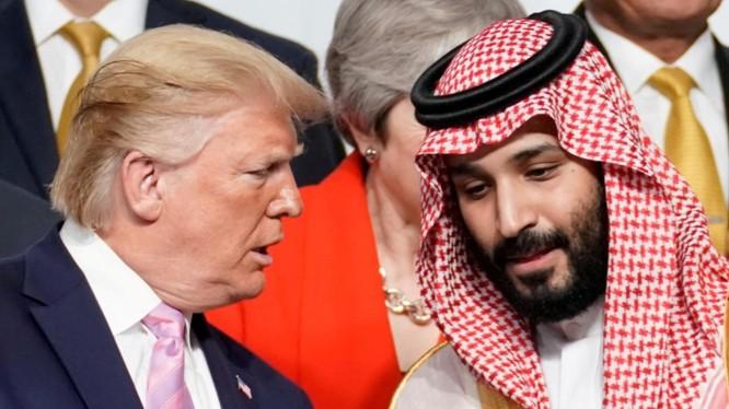 Tổng thống Mỹ Donald Trump và Hoàng thái tử Arab Saudi Mohammed bin Salman tại Hội nghị thượng đỉnh G20 tổ chức tại Osaka, Nhật Bản ngày 28/6/2019 (Ảnh: Reuters)