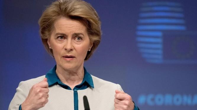 Chủ tịch EC Ursula von der Leyen kêu gọi Trung Quốc tham gia cuộc điều tra nguồn gốc virus corona (Ảnh: DPA)