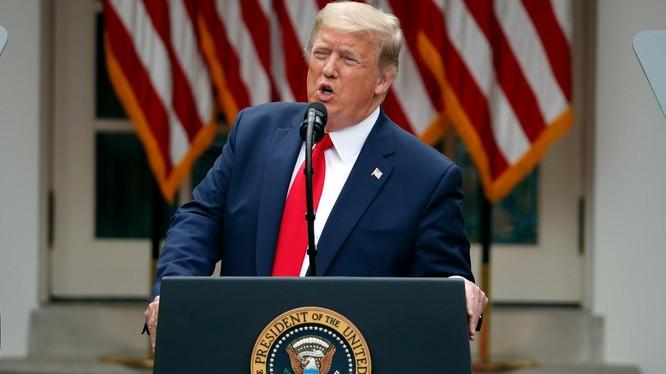 Tổng thống Mỹ Donald Trump tuyên bố hàng loạt hành động cứng rắn chưa từng thấy nhằm vào Trung Quốc (Ảnh: Fox Business)