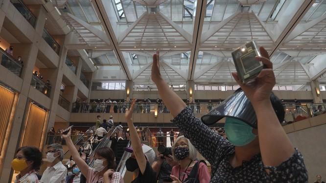 Những người phản đối luật an ninh Hong Kong cho rằng nó là đòn chí mạng đối với quyền tự trị của thành phố này (Ảnh: SCMP)