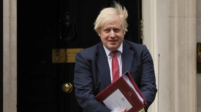 Thủ tướng Anh Boris Johnson đã đưa ra thông điệp trực tiếp đầu tiên gửi người dân Hong Kong kể từ khi Bắc Kinh ra mắt dự luật an ninh mới (Ảnh: Tân Hoa Xã)