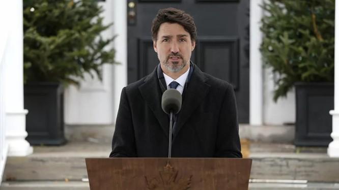 Thủ tướng Canada Justin Trudeau trong cuộc họp báo thường nhật ngày 2/6 (Ảnh: Sputnik)