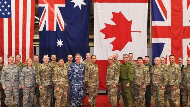 Các quan chức quân đội của liên minh Five Eyes tham dự Hội nghị Bộ tư lệnh không gian năm 2019 (Ảnh: Handout)