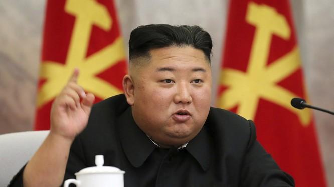 Chủ tịch Triều Tiên Kim Jong-un nói rằng vũ khí hạt nhân của nước ông sẽ giúp ngăn chặn các cuộc chiến tranh trong tương lai (Ảnh: SCMP)