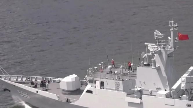 Hình ảnh cuộc tập trận trên Biển Đông mà PLA đăng tải trên mạng xã hội (Ảnh: Weibo)